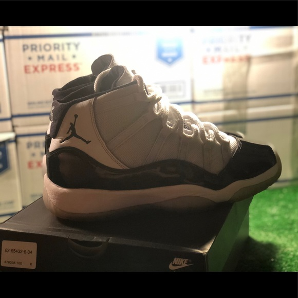 Nike Shoes | Air Jordan 1 Retro Gs